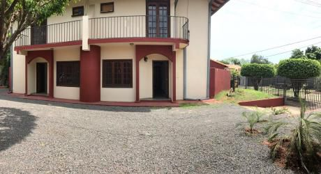Alquilo Duplex En Lambare En Pequeño Condominio-lambare