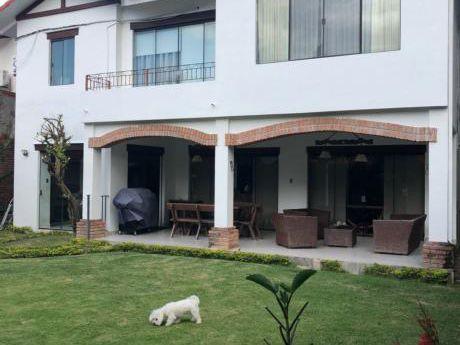 En Alquiler Cómoda Y Amplia Casa En Las Palmas