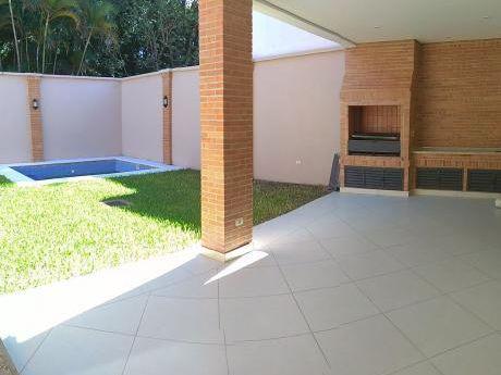 Alquilo Casa En El Barriolos Laureles.