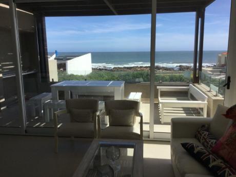 Hermoso Apto Frente Al Mar En Playa Montoya 3 Dorm