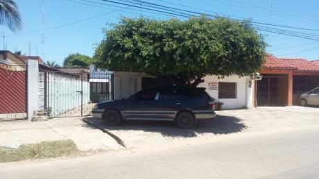 Casa En Venta Sobre Avenida Comercial (zona Cumavi 4to Anillo)