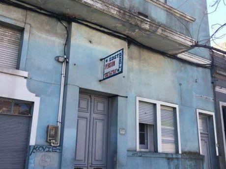Excelente Negocio Rentable, 33 Habitaciones, 16 Baños  A Mtrs De La Rambla!!