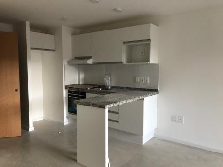 Alquiler, Apartamento 2 Dormitorios A Estrenar