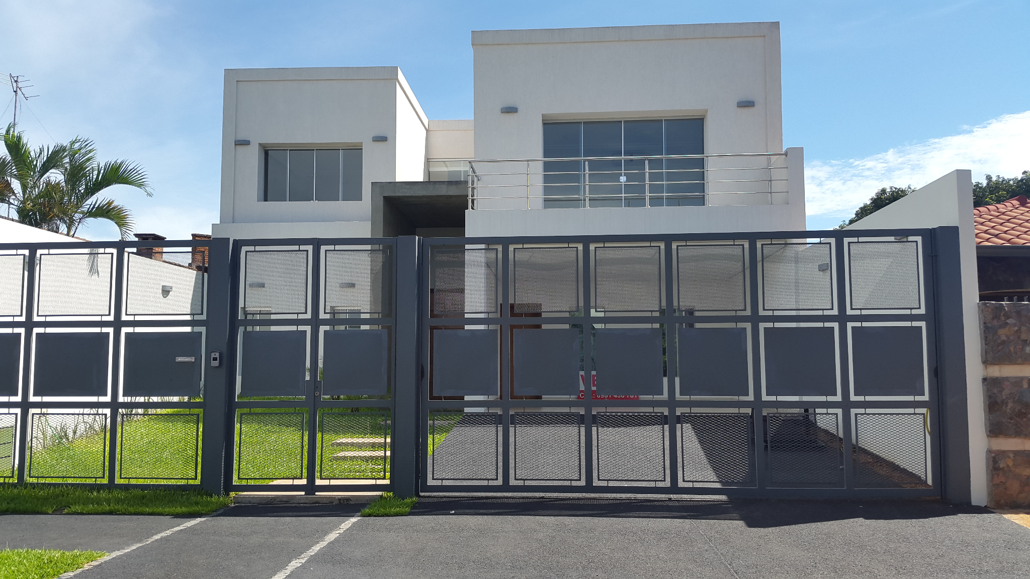 Vendo Casa En Los Laureles/mcal Estigarribia