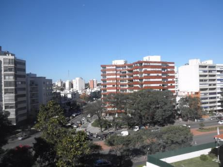 Apartamento, 4 Dormitorios, Garaje, Parrillero Parque Rodó