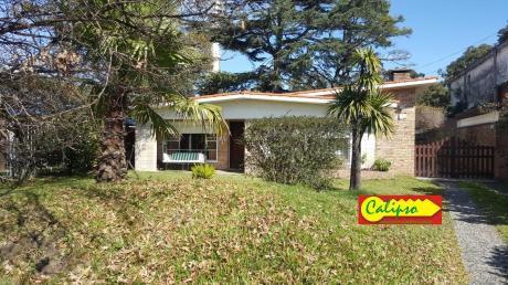 Casa -3 Dormitorios Y Apto - Atlantida- Inmobiliaria Calipso