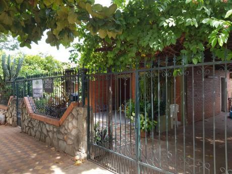 Residencia De 1 Planta En LambarÉ. Zona Paseo Cerro Alto.
