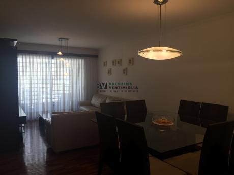 Hermoso Apartamento Amoblado De 2 Dormitorios , 2 BaÑos ,punta Carretas