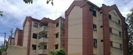 Amplio Departamento En Edificio Mariscal Lopez
