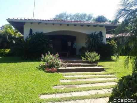 Casa En San Bernardino - S/ Av. Schaerer 1700m2 Esquina