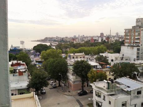 PróX. Fac. De Ingeniería, Amplio Duplex De 4 Dorm, Barrio Tranquilo.