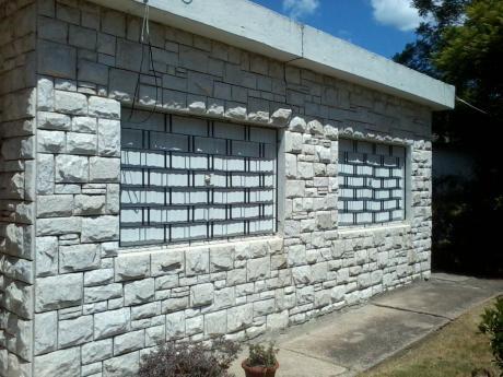 Sloymar Norte 3 Dorm - Regularizada Acepta Banco