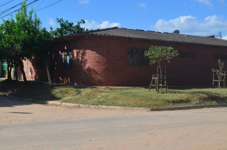Linda Casa En Esquina