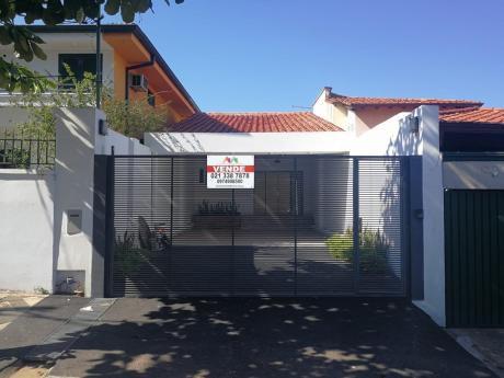 Tierra Inmobiliaria Vende- Hermosa Casa A Estrenar En Barrio Sajonia
