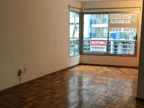 Excelente Apartamento A Tres Cuadras De La Rambla