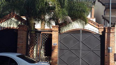 Barrio Mcal. Estigarribia, Casa Con Gran Patio, 3 Dorm, Zona Boggiani.