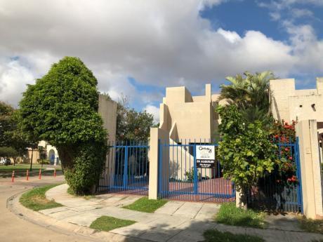 Casa En Alquiler, Urbanización La Hacienda I, Av. Beni 5to Anillo.