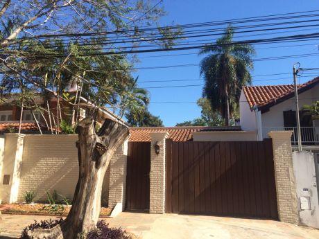 A-009 Alquilo Residencia - Barrio Villa Morra