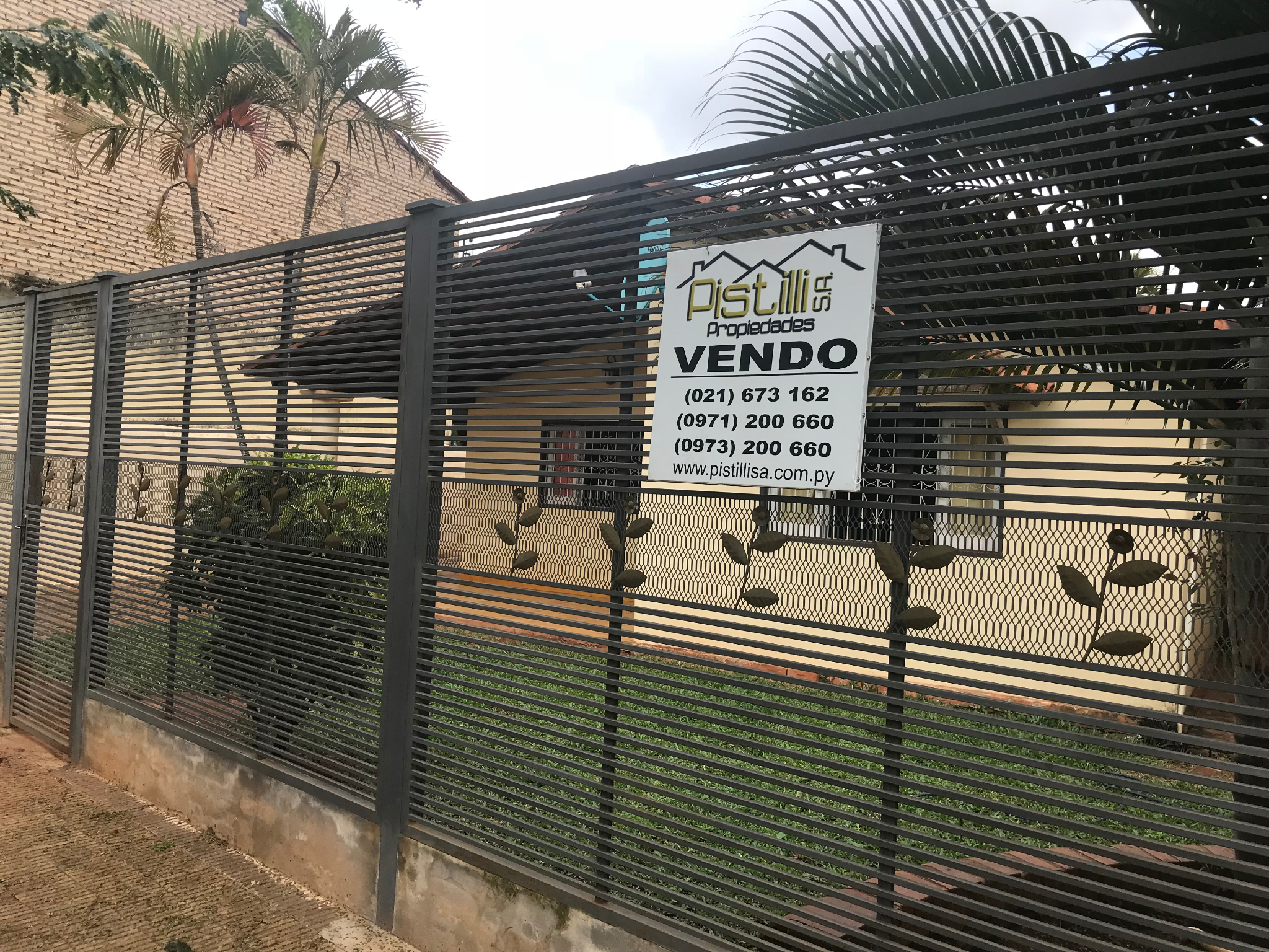 VENDO V-113 Hermosa Casa Laurelty San Lorenzo