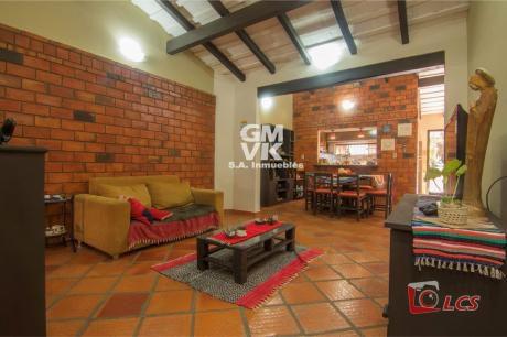 Vendo Casa En Barrio Jara, Zona Universidad Americana