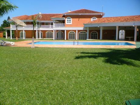 Casa De Lujo En Laguna Grande