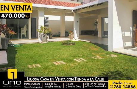 Lujosa Y Centrica Casa En Venta Zona Parque Urbano