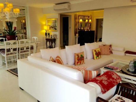 Residencia De Primer Nivel En Zona Av. Laguna Grande