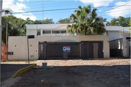 Lujosa Residencia Minimalista Zona Colegio Lumen