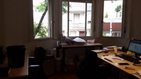Sólida Casa Ambientes Amplios 3 Dormitorios Y Garaje