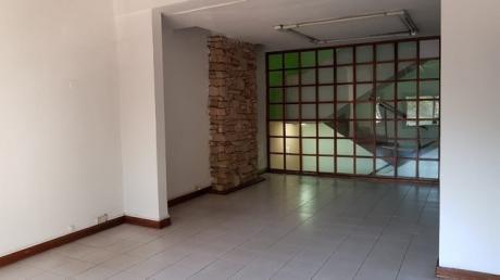 Alquilo En Villa Morra Para Vivienda U Oficina Amplio Dpto. Gs 3.000.000