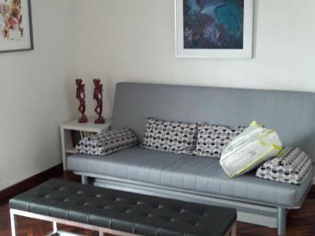 Impecable Apartamento, Tipo Casa, 2 Plantas, A Nuevo, Estilo Minimalista