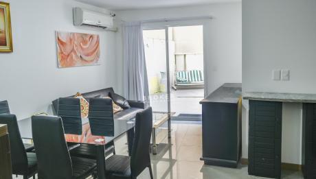 Apartamento De 2 Dormitorios Y Garaje En El Centro