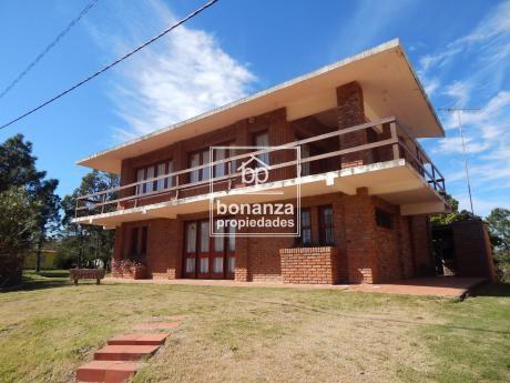 Casa En Alquiler, Piriápolis, 4 Dormitorios,2baños