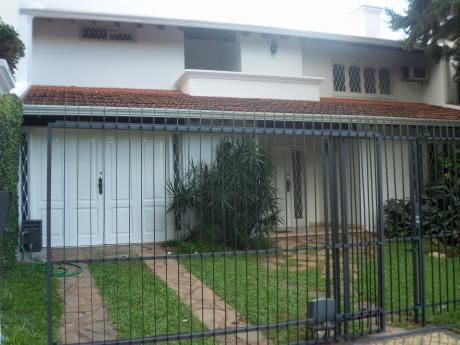 Barrio Herrara Casa De 4 Dormitorios
