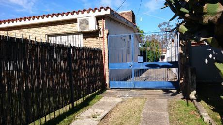 Casa1 Dorm En Carrasco(M.tajes)