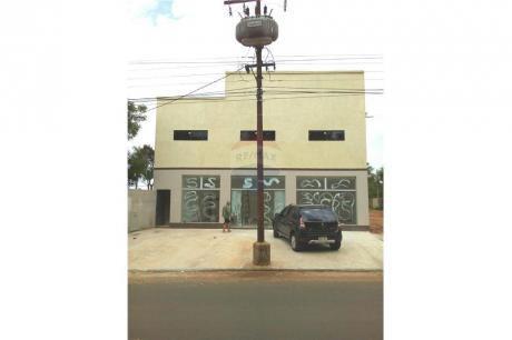 Local Comercial, Con Depósito, Oficina Y Salón