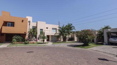 Condominio La Hacienda 2