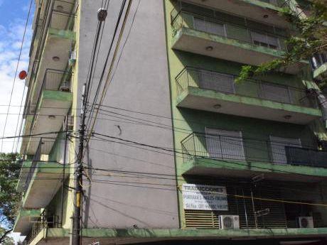 Alquiler De Departamento Edificio Guayaki