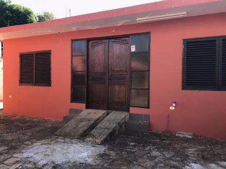 Alquilo Casa + Oficina En Villa Aurelia