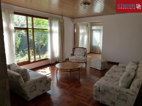 Casa Semi Amoblada En Alquiler - La Paz