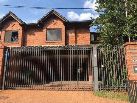 Alquilamos Hermosa Casa Tipo Duplex En Barrio Residencial Zona Shoping Del Sol