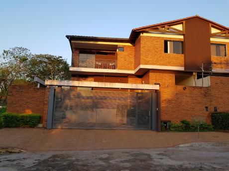 Vendo Duplex Moderno A Pasos De Luis Maria Argaña