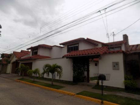 Casa En Alquiler Barrio Las Palmas