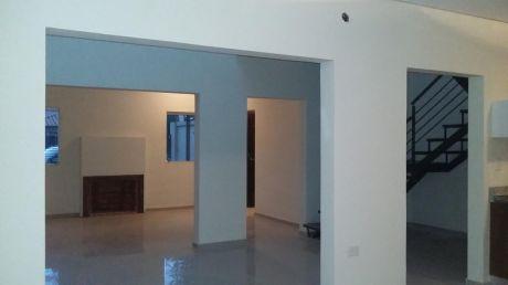 Vendo Amplio Y Confortable  Duplex A Estrenar En Zona Radio 1000 F. De La Mora
