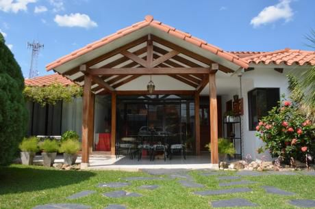 Hermosa Casa En Zona Norte (zona Ucebol)