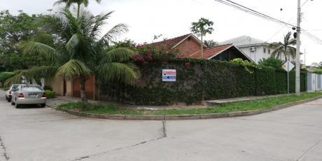 Alquiler De Bonita Casa Ubicada En Polanco A 3 Cuadra Del 3er Anillo 900 $us