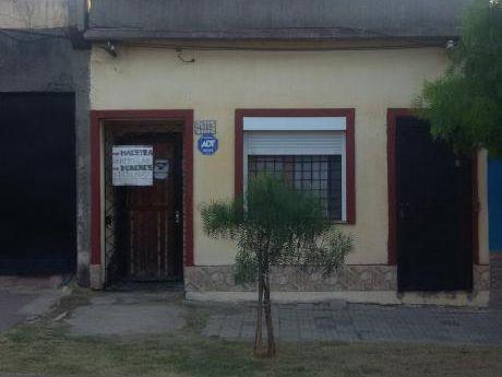 Casa 2 Dormitorios En La Teja