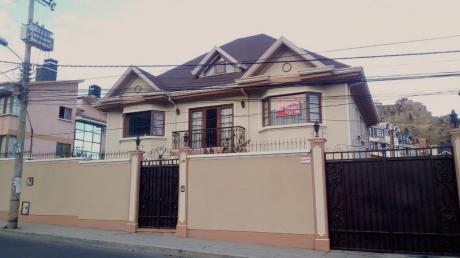 Irpavi, Av. Ovando Candia, Calle 10 La Paz - Bolivia / Preciosa Casa Unifamiliar