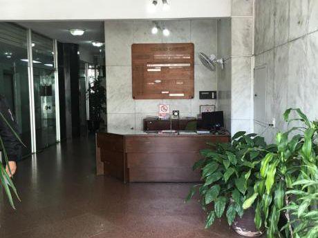 Oficina Centro Próximo Al Palacio De Gobierno