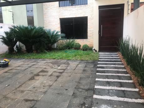 Alquilo Hermosa Casa Pareada - Barrio Herrera